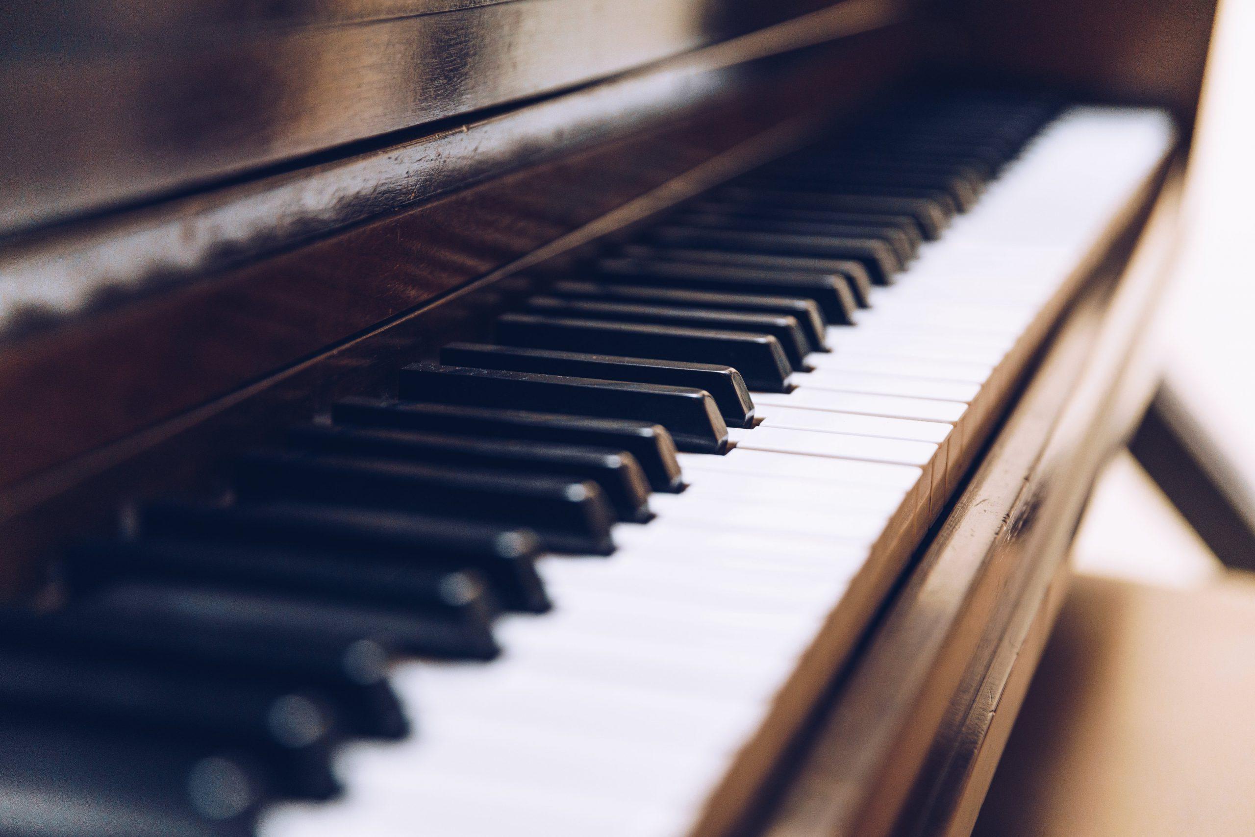 piano-keys-close-up